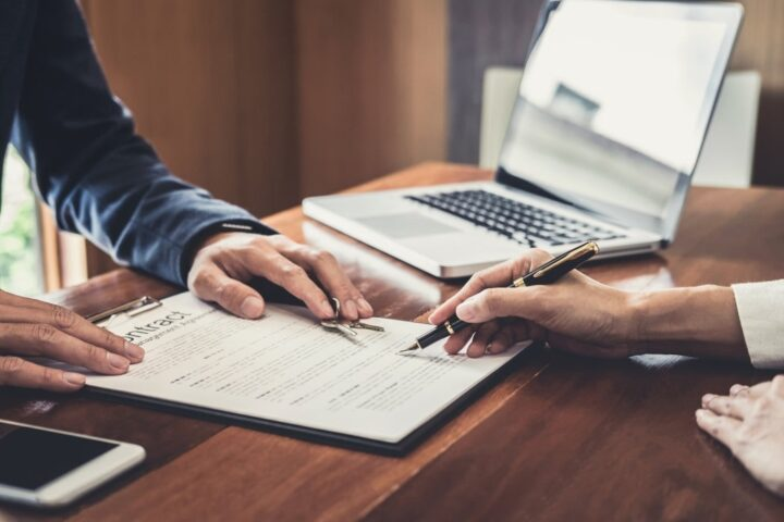 Caixa anuncia que os compradores de imóveis que assinarem contrato até 30 de dezembro terão seis meses de isenção.